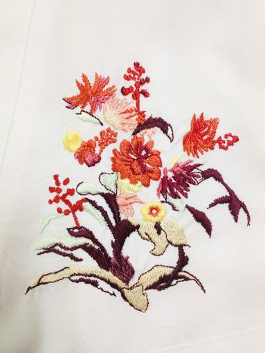 DA FIORE オーナーシェフのコックコートの刺繍デザイン